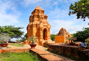 Champa Poshanu Cham Tower - The cultural essence of the ancient Cham